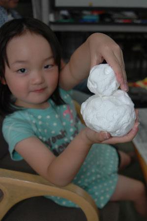 紙粘土で雪だるまつくり