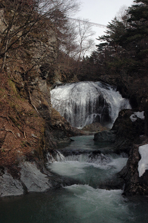 大滝を下流から
